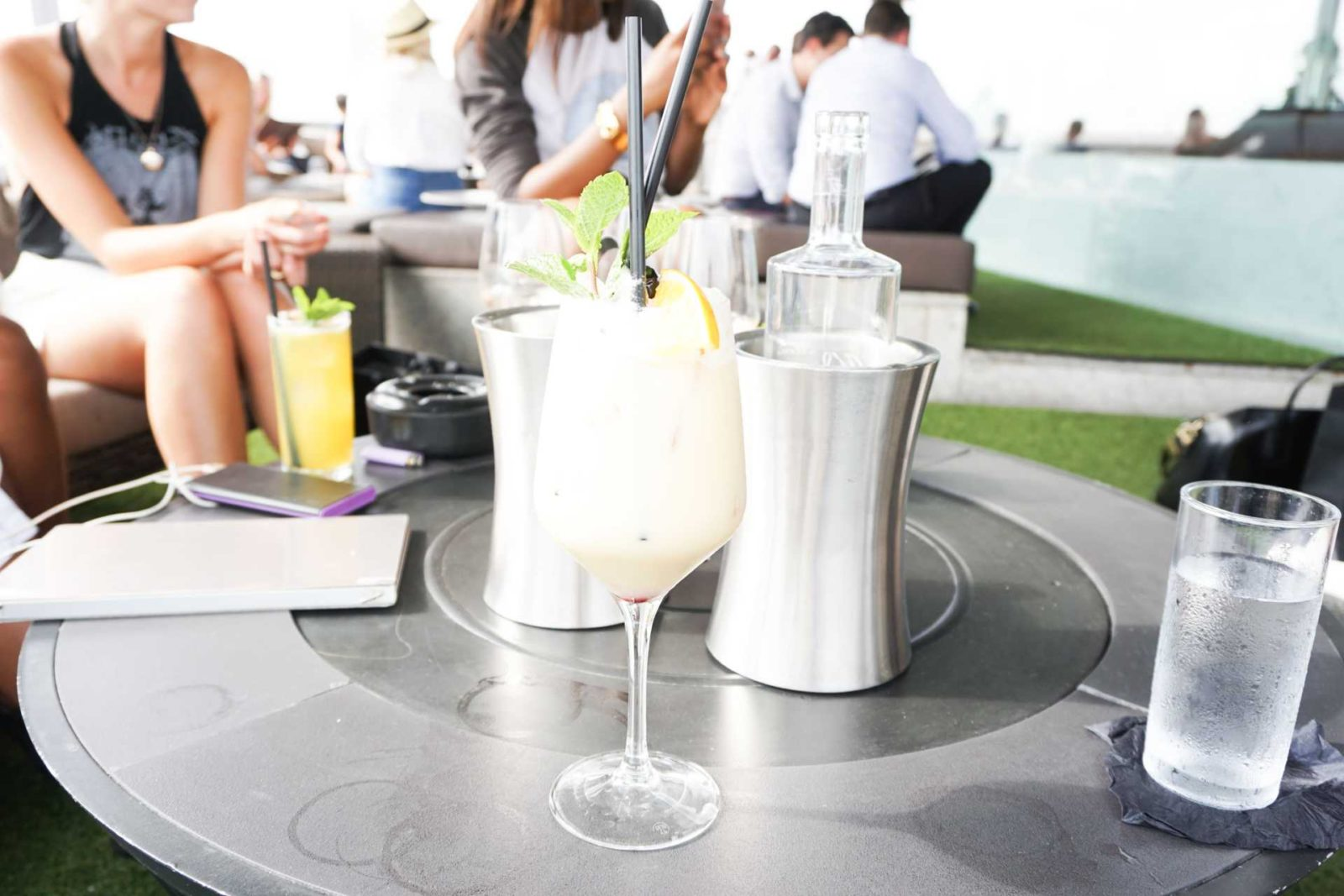 Side Hustle - Radio Rooftop Bar - Style and the Sass