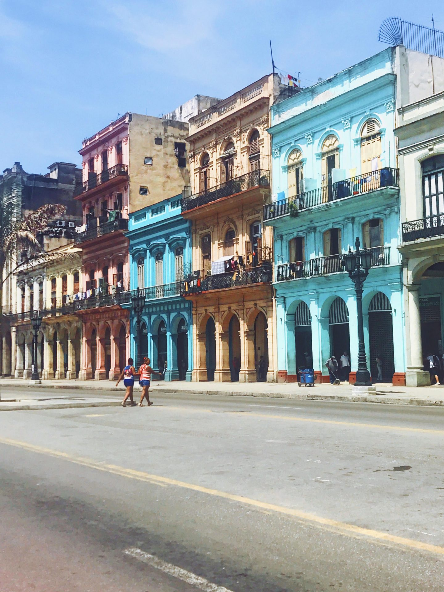 A Girls Trip Guide to Cuba 9 - Back Streets 1 - Style and the Sass