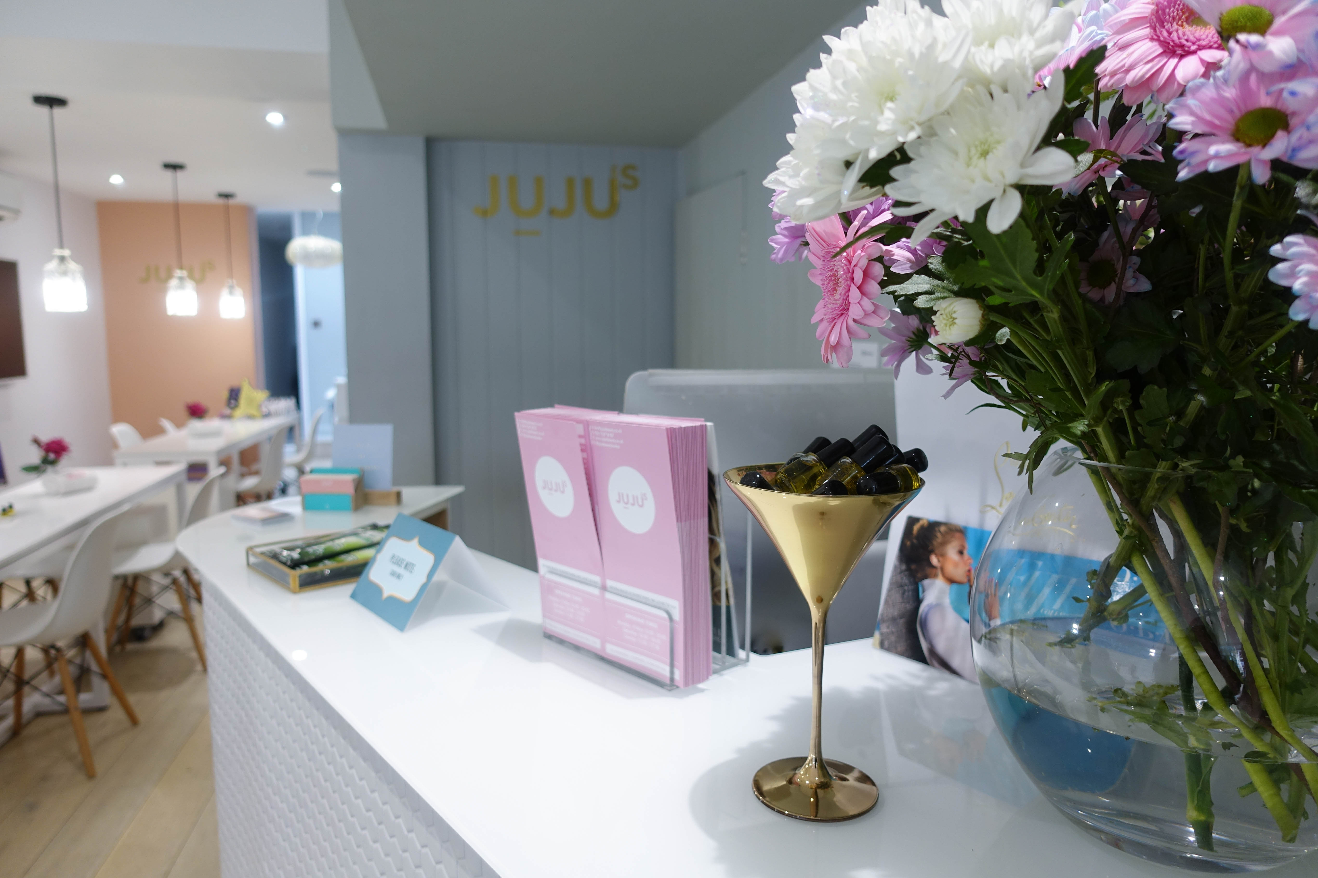 Juju's Beauty Salon - reception desk- style and the sass